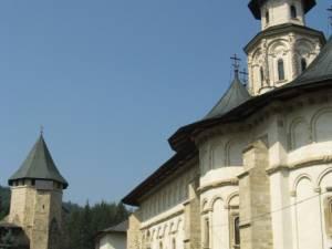 """Simpozionul de istorie """"Colocviile Putnei"""", ediţia a XIV-a, la Mănăstirea Putna"""