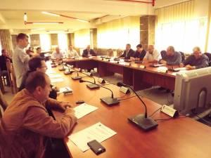 Consilierii au votat în unanimitate noul contract de fideiusiune, deblocând astfel o situaţie delicată