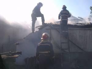 Două bătrâne, surori, au provocat o explozie urmată de incendiu, în timp ce încercau să monteze o butelie