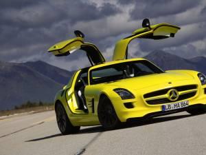 Mercedes pregătește primul supercar electric