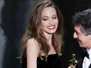 Angelina Jolie va primi un Oscar onorific