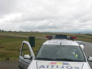 Maşina cu radar l-a înregistrat cu viteza de 138 de kilometri la oră