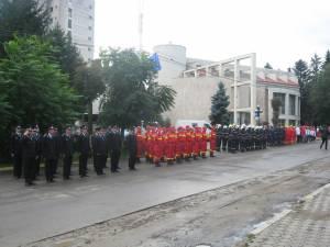 Ziua Pompierilor, ceremonial restrâns în semn de doliu faţă de nenorcirea de la Galaţi