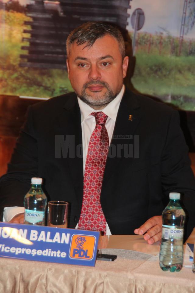 Deputatul Ioan Balan acuza USL că a tăiat finanţarea investiţiilor realizate de primari PDL