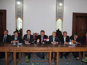 Mai mulţi lideri importanţi ai PNL Suceava susţin candidatura lui Marius Ursaciuc