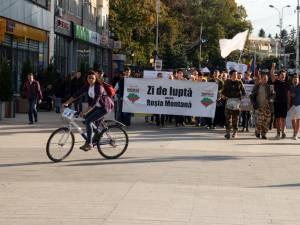 Ieri a fost a doua duminică la rând în care sucevenii  au protestat împotriva proiectului Roşia Montană