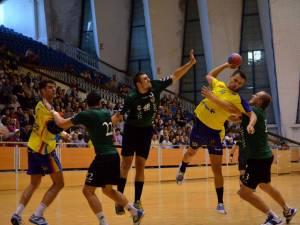 Meciul de la Bacău a fost echilibrat timp de 40 de minute. Foto: Sportbacaul.ro