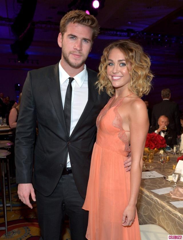 Cântăreaţa americană Miley Cyrus şi actorul australian Liam Hemsworth au decis să rupă logodna