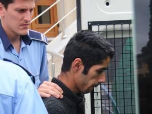 Boby Ionuţ Lăcătuş, în vârstă de 19 ani, a fost trimis ieri în judecată pentru tentativă de omor calificat