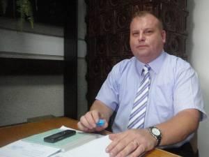 Inspectorii Agenţiei Naţionale de Integritate au constatat că Romeo Adrian Răuţu era atât funcţionar în cadrul Poliţiei Locale, cât şi director la Servicii Comunale