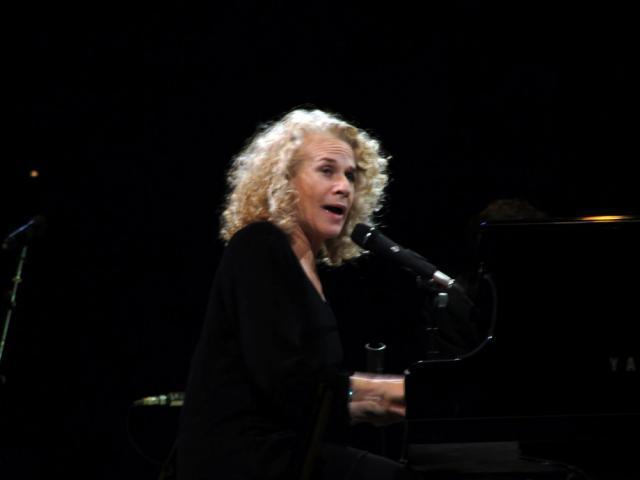 Cântăreaţa şi compozitoarea americană Carole King