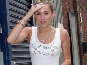 Miley Cyrus ar avea o nouă relaţie