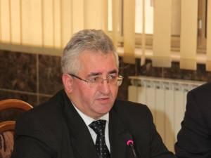 """Ion Lungu: """"Pe 8 octombrie mă voi consulta cu asociaţiile de proprietari în privinţa pornirii furnizării căldurii de la Termica"""""""