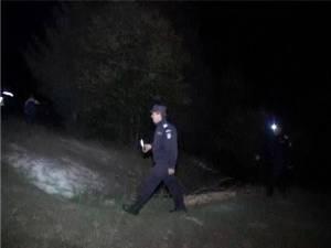 În jur de treizeci de oameni, poliţişti, jandarmi, salvamontişti şi voluntari, au fost mobilizaţi în căutarea bărbatului