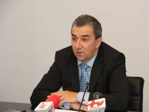"""Florin Sinescu: """"Am pus un accent deosebit pe sensul giratoriu de la intersecţia dintre DN 17 şi şoseaua de centură a Sucevei, pentru a fi semnalizat corespunzător"""""""