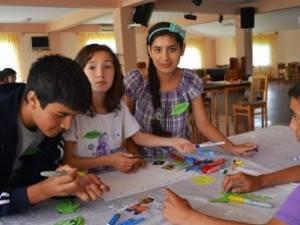 """Proiectul """"Învăţăm împreună prin joc şi voie buna"""", la Şcoala Pătrăuţi"""