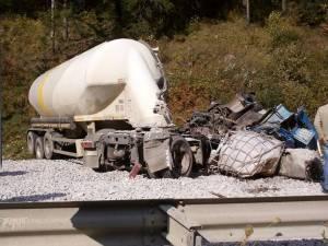 na dintre victimele accidentului între autotrenuri de la Valea Putnei a murit la spital