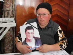 Ana Vieriu îşi plânge fiul de 17 ani şi speră să afle adevărul despre moartea sa