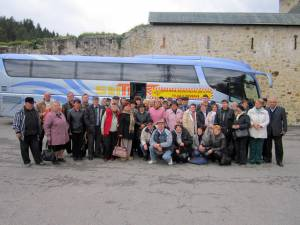 Peste 70 de pensionari ceferişti au beneficiat de o excursie în judeţul Neamţ