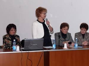 De Ziua Educaţiei, la Fălticeni a avut loc o întâlnire a educatorilor, învăţătorilor şi profesorilor
