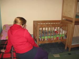 Perioada de internare pentru un cuplu mama-copil se poate prelungi de la două-trei luni, până la şase luni