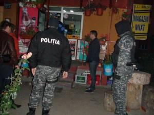 Poliţia a organizat, ieri dimineaţa, 13 percheziţii şi descinderi, fiind vizaţi şapte suspecţi din zona Vicov, doi din Câmpulung Moldovenesc şi un proprietar de magazin din Gura Humorului