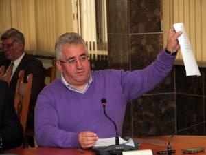 """Ion Lungu: """"Cele 26 de familii sunt deocamdată somate cu evacuarea, pentru datorii cuprinse între 100 şi 760 de milioane de lei vechi, de fiecare"""""""