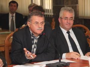 Viorel Seredenciuc i-a întâmpinat cu comentarii acide pe parlamentarii suceveni Ovidiu Donţu şi Ştefan Băişanu