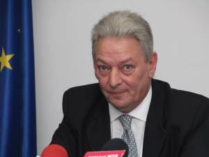 Proiectul a fost creionat la iniţiativa unui cetăţean englez, Brian Douglas, din cadrul  Romania Children Humanitarian Foundation