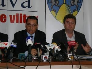 Premierul Victor Ponta şi preşedintele CJ Suceava, Cătălin Nechifor