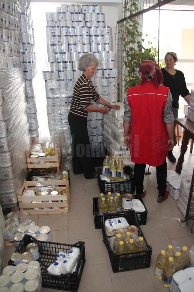 Ajutoarele din partea Uniunii Europene, pregătite pentru a fi distribuite populaţiei