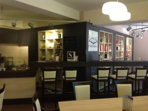 La USV Book Cafe, cafeaua se poate plăti vineri în versuri