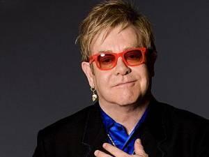 Cântăreţul Elton John a declarat că este mult mai fericit de când a devenit tatăl a doi copii