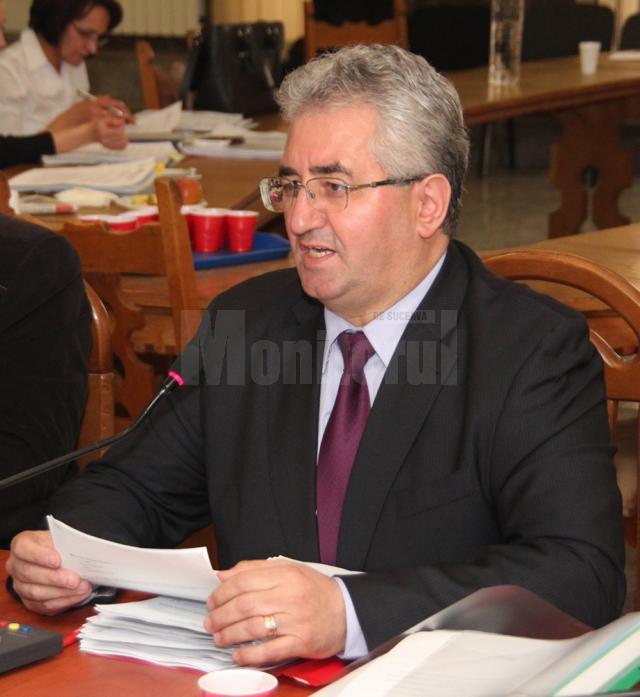 """Ion Lungu: """"Punem presiune pe constructori să termine refacerile stradale în jurul datei de 20 noiembrie, când se anunţă primele ninsori"""""""