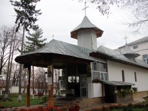 Biserica Spitalului Judeţean sărbătoreşte pe 9 noiembrie hramul de Sfântul Ierarh Nectarie din Eghina
