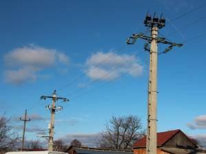 Aproximativ 1,5 milioane de oameni, dintre care jumătate din judeţul Suceava, au rămas ieri fără energie electrică