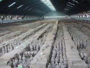 """Paznicii împăratului. Ce arme aveau de fapt soldaţii de teracotă: """"Sunt cu 2.000 de ani înaintea epocii lor"""""""
