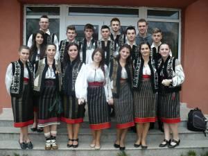 """""""România în sărbătoare"""" a reprezentat un buchet de momente artistice şi obiceiuri populare"""