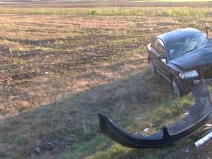 Autotren răsturnat şi două maşini avariate, după un accident rutier la Vadu Moldovei