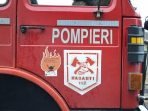 Militarii Detaşamentului de pompieri Rădăuţi au intervenit cu trei autospeciale la faţa locului