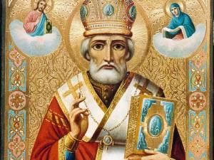 Moş Nicolae, Sfântul care aduce daruri
