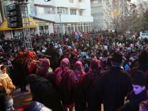 Câteva mii de copii din Burdujeni au venit să primească daruri de Moş Nicolae