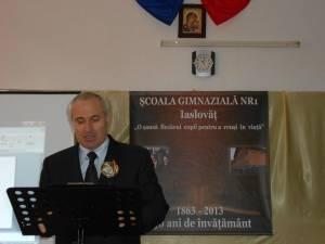 Directorul Victor Prisacariu a prezentat un scurt istoric al unităţii de învăţământ