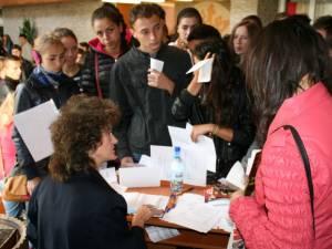 Bursă a locurilor de muncă organizată în 2013 de AJOFM Suceava