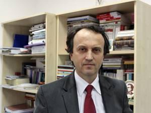Mircea A. Diaconu -  prorector responsabil de activitatea didactică şi asigurarea calităţii