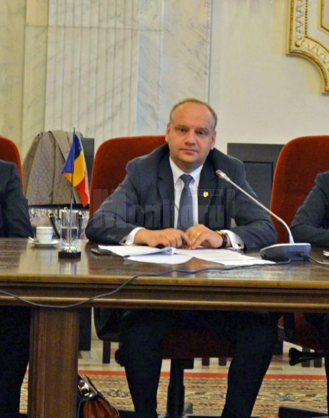 """Ovidiu Donțu: """"Susțin depolitizarea sistemului silvic"""""""