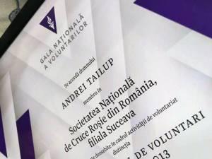 """Liderul voluntarilor de la Crucea Roşie Suceava, Andrei Tailup, a câştigat titlul de """"Coordonatorul de Voluntari al Anului"""""""