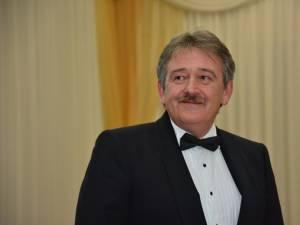 """Marius Ursaciuc este primul primar sucevean care primeşte această distincție, premiul fiind acordate în cadrul """"Galei Administraţiei Publice Locale"""""""