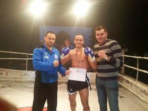 Alexandru Vornicu (în mijloc), un sportiv care promite multe
