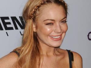 Lindsay Lohan îşi scrie autobiografia